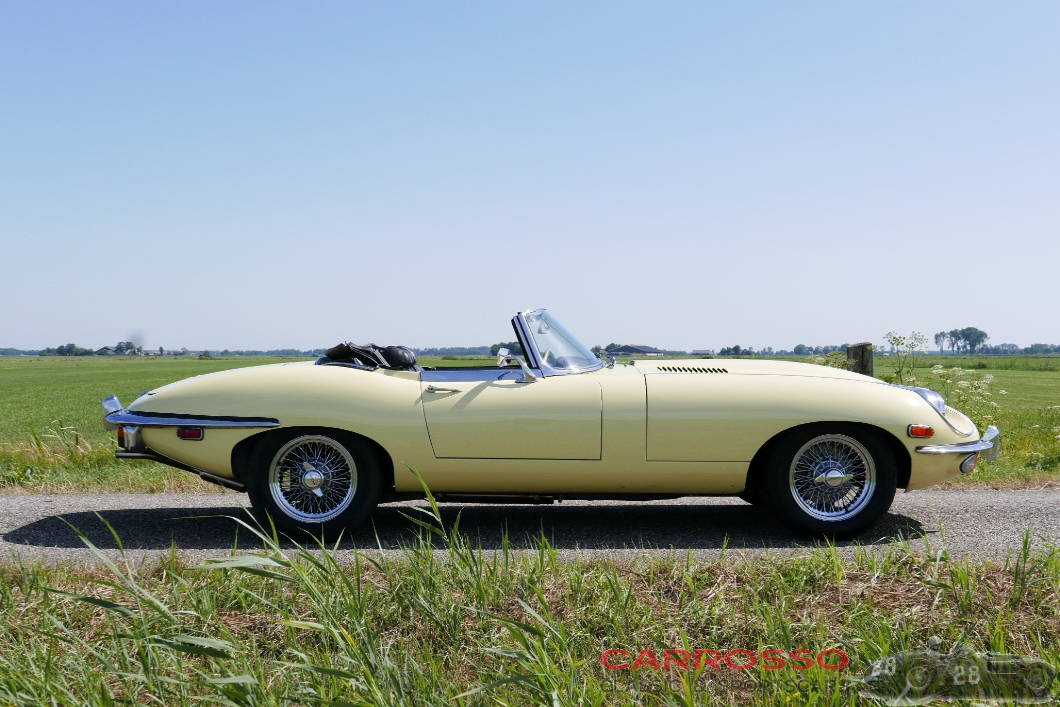 38Jaguar E type S2 (7)
