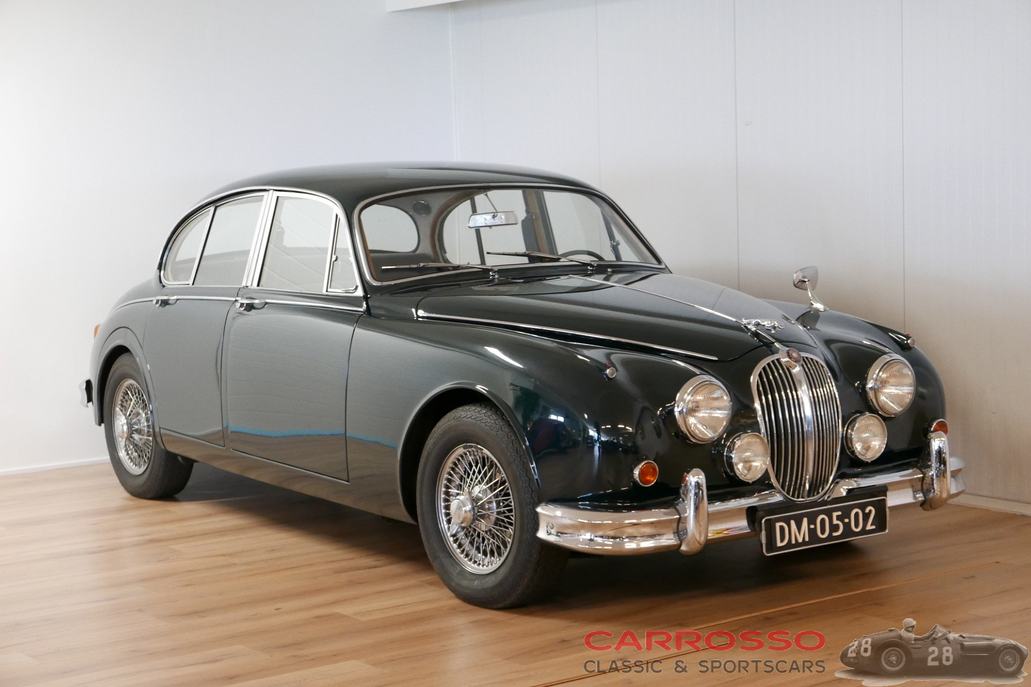 32Jaguar Mark 2 2.4 (67)