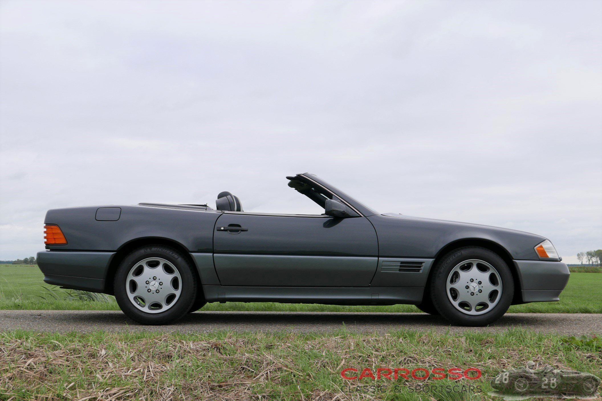 5Mercedes Benz SL 300 (50)