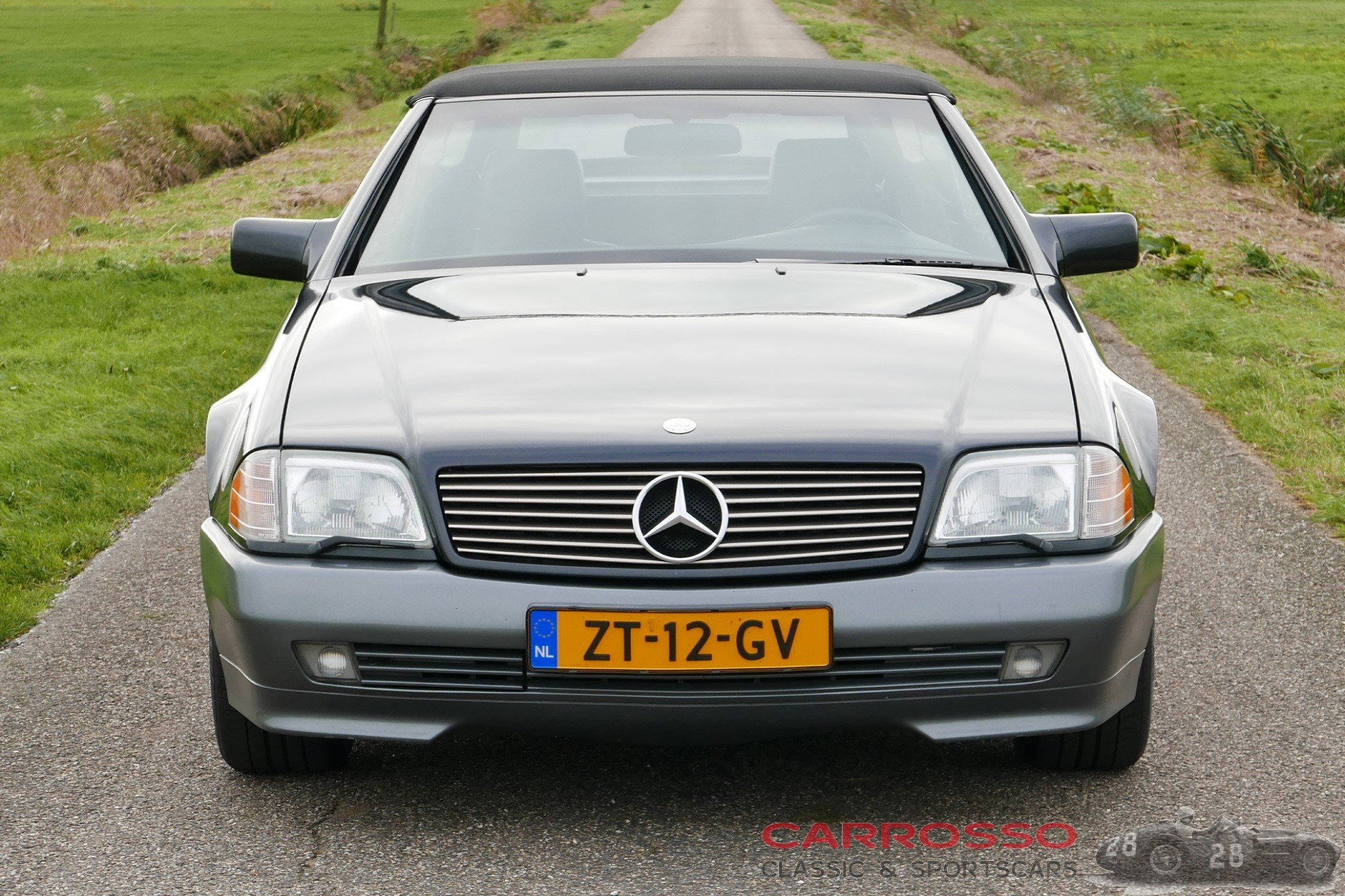 7Mercedes Benz SL 300 (10)